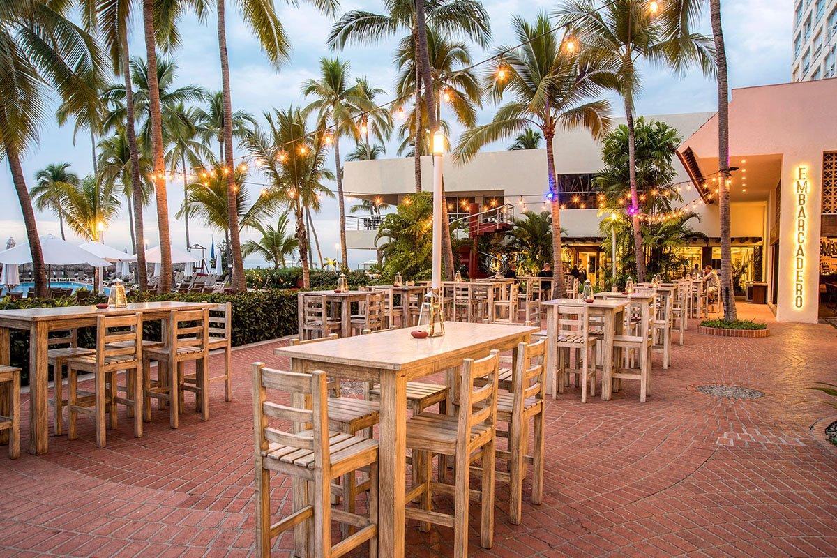 sheraton buganvilias resort terraza gastro bar embarcadero 1200